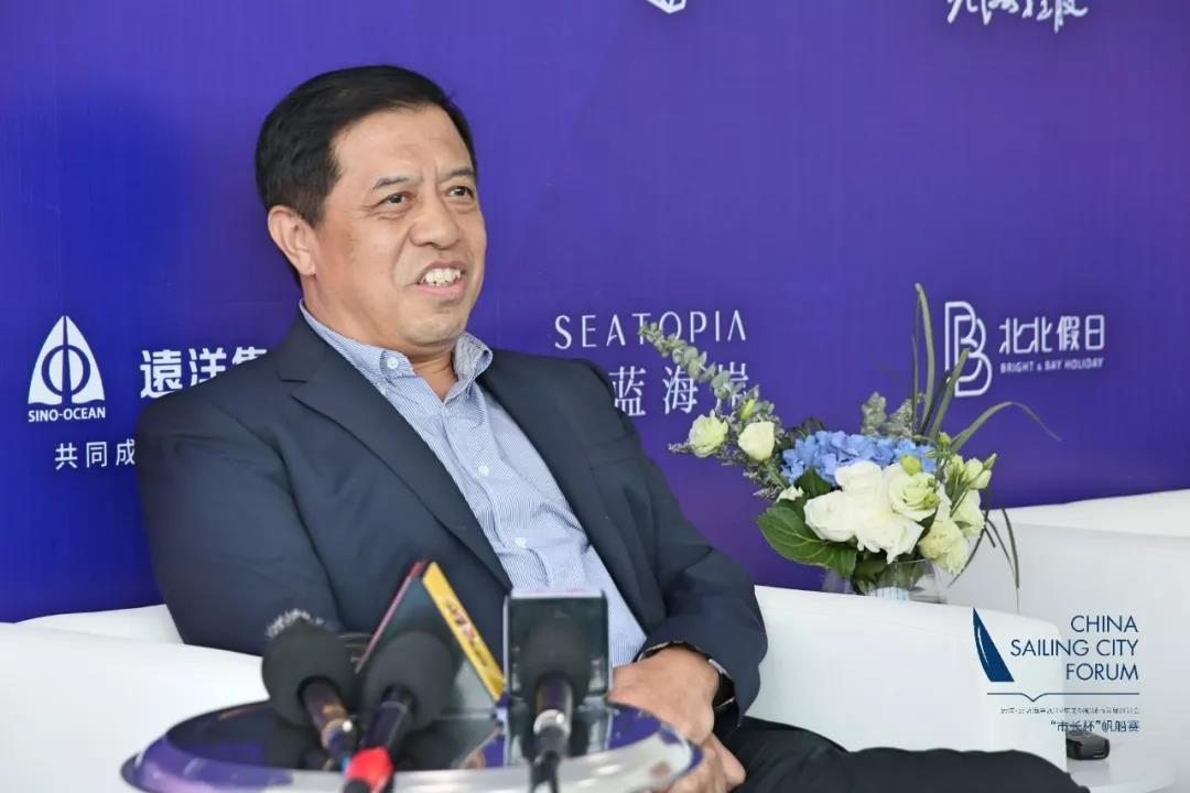 秦皇島市人民政府副市長馮志永:我們的方向目標就是讓秦皇島的海岸沙灘天天見白帆,實現千帆競發的局面